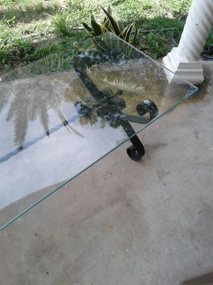 glass top coffee table for Sale in Tarpon Springs, FL