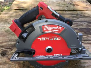 MILWAUKEE 2732-20 7-1/4 CIRCULAR SAW for Sale in Tucker, GA