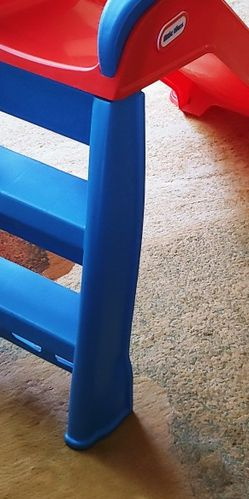 Small slide for Kids (Selling as Is) for Sale in Rockville,  MD