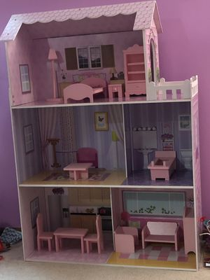 Barbie's house for Sale in UPPER ARLNGTN, OH