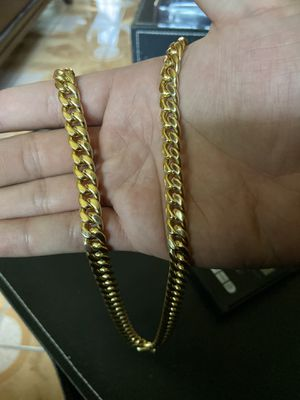 24 inch Miami cuban chain 14k gold for Sale in Ontario, CA