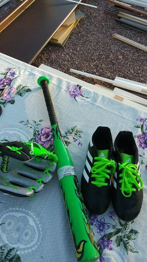 Youth Adidas 4 and a half cleats baseball bat 25 by 15 aluminum and baseball glove Franklin for Sale in Chandler, AZ