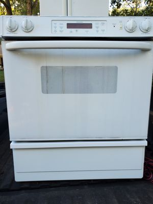 Upgrade Special!!! Electric Glass Top Range and Oven Both WORK PERFECTLY! for Sale in Virginia Beach, VA
