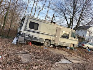 Car and rv for 400 or individual for Sale in Glen Burnie, MD