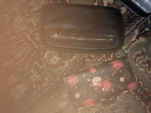 Co-Lab black wallet& rosey phone case/wallet for Sale in Salt Lake City, UT