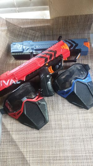 Set of two Nerf guns with two Nerf masks in red / blue for Sale in Miami, FL