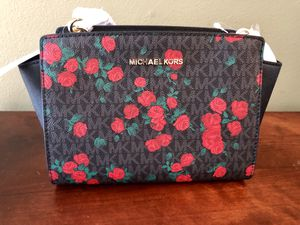 New with Tags: Michael Kors, Selma Messenger Bag 🌹 for Sale in La Mirada, CA