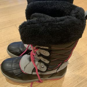 Girls Snow Boots Size 3 for Sale in Plymouth Meeting, PA