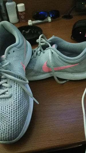 Women's 7.5 Nike shoes for Sale in Nashville, TN