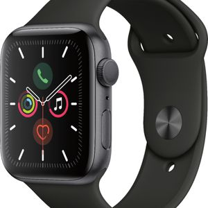Apple Watch Series 5 40mm Aluminum for Sale in Tacoma, WA