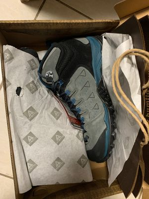 Brand new Men high Hiking Boots outdoor shoes 7.5 for Sale in Davie, FL