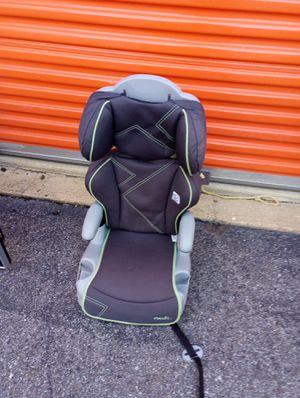 Carseat with detachable buster for Sale in Hyattsville, MD