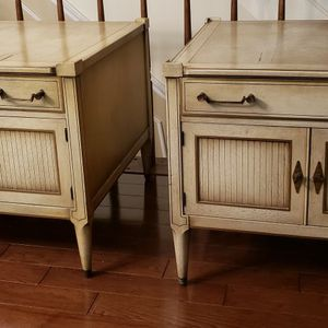 Pair Of Vintage French Country End Tables By Imperial Grand Rapids Furniture for Sale in Germantown, MD