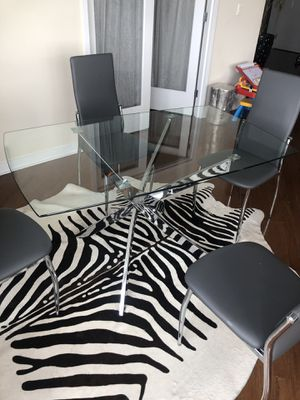 Modern small glass table for Sale in Cliffside Park, NJ