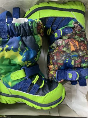 Boys 5 toddler snow boots New for Sale in Torrance, CA