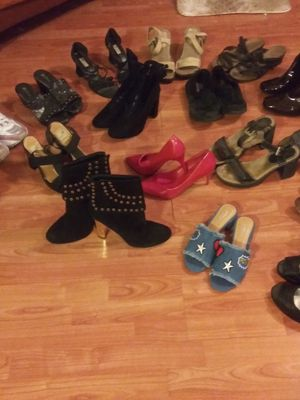 17 pairs of SHOES- ALL BOOTS- NEW- RED HEELS SIZE 8- REST SIZE 9- $100- OR BEST OFFER😁😀😁👋 for Sale in West Palm Beach, FL