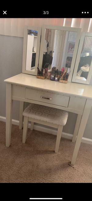 Makeup vanity with mirror for Sale in San Carlos, CA