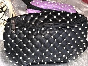Lrg Quilted Pearl Waist Bag - Black for Sale in Philadelphia, PA