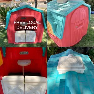little tikes playhouse barn for Sale in Bloomington, CA