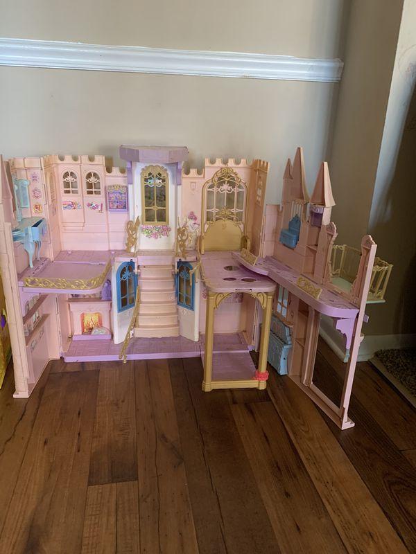 Doll house castle