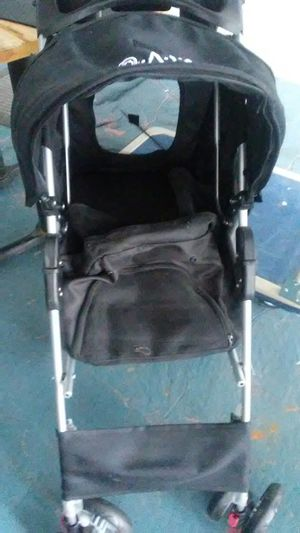 Viv dog stroller for Sale in Kissimmee, FL