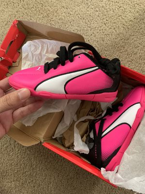 Pink Kids Size 11 Indoor Soccer Shoes / Cleats for Sale in Anaheim, CA