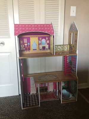2 Doll houses for Sale in Gaithersburg, MD
