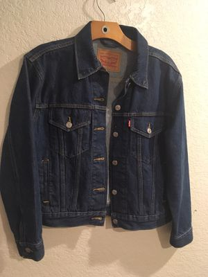 Levi Strauss Mens Medium 72334 Button Up Classic Denim Jean Jacket Western Sz S Gently used for Sale in Kissimmee, FL