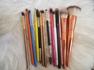 BRUSHES BUNDLE for Sale in Rialto, CA