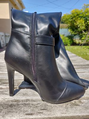 Brand New Thigh High Boots Size 6 for Sale in San Francisco, CA