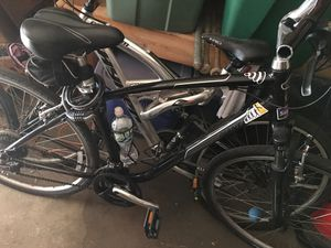 Giant bike great condition good for a person 5'11 and up for Sale in Brooklyn, NY