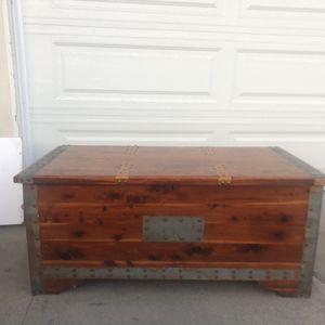 Old Cedar Trunk FREE for Sale in Huntington Beach, CA