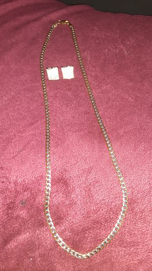 """14k gold plated 24""""chain and earrings for Sale in San Antonio, TX"""