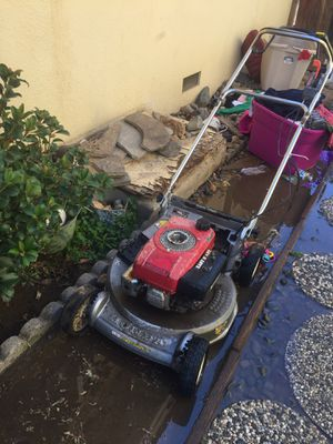 Lawn mower for Sale in Sanger, CA