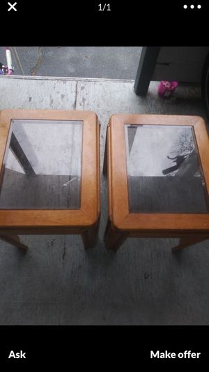 2 end tables for Sale in Holyoke, MA