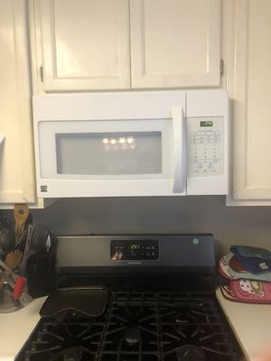 Kenmoore microwave oven. Good condition. Just bought a black stainless one. for Sale in Nipomo, CA