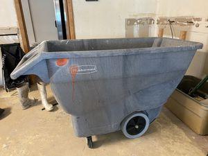 Demolition bin by Rubbermaid for Sale in Fort Lauderdale, FL