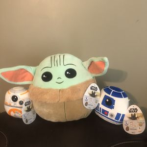 The child / Baby Yoda Squishmallow W BB- 8 And R2D2 for Sale in Burbank, CA