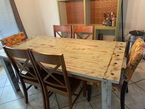 Dining Room Table with 6 chairs. for Sale in Milton, FL