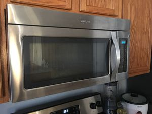 WHIRLPOOL MICROWAVE for Sale in Avondale, AZ