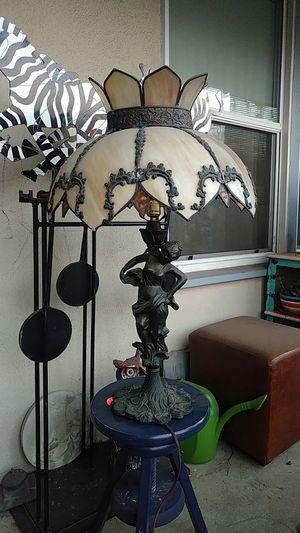 Metal table lamp for Sale in San Fernando, CA