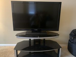 Sanyo TV 50 inch) and stand for Sale in San Diego, CA