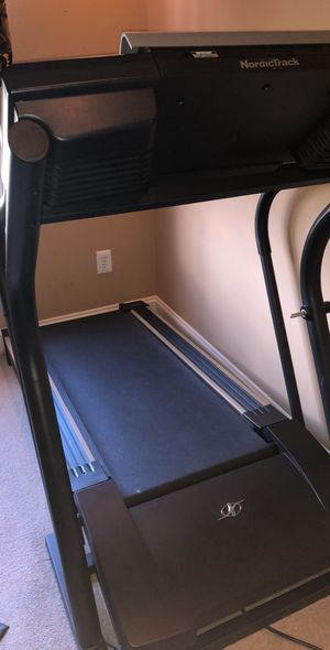 Treadmill NordicTrack C1900 for Sale in Franklin, NJ