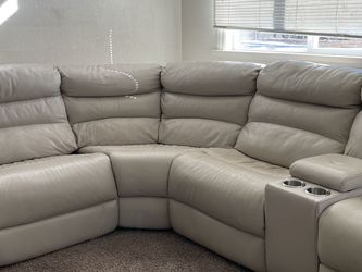 Leather Section With Reclining Ends for Sale in Aurora,  CO