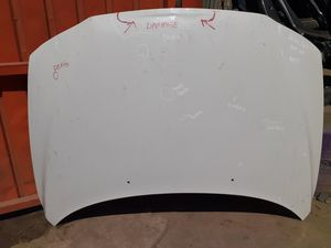 Volvo S60 2001 - 06 OEM Hood White for Sale in Wilmington, CA