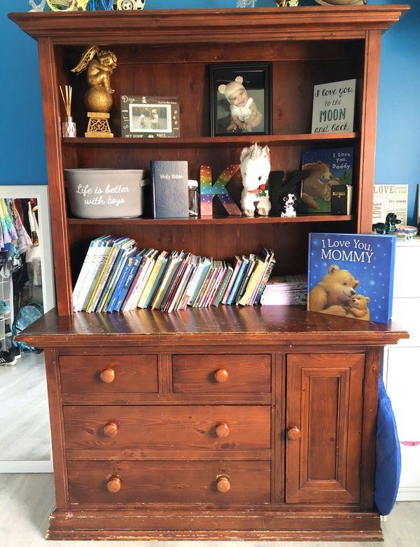 Free Dresser/bookshelf