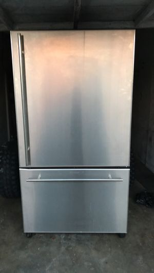 Stainless steel refrigerator for Sale in Los Angeles, CA