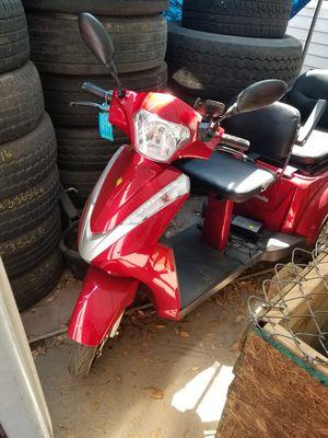 Three wheel scooter for Sale in Orlando, FL