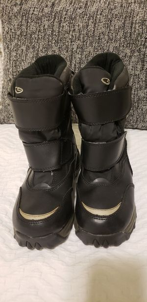 Snow boots for kids for Sale in Long Beach, CA