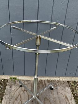 Metal Round Spinning Clothes organizer for Sale in Arlington,  WA